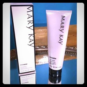 🌸Mary Kay🌸 TimeWise 3-in-1 cleanser